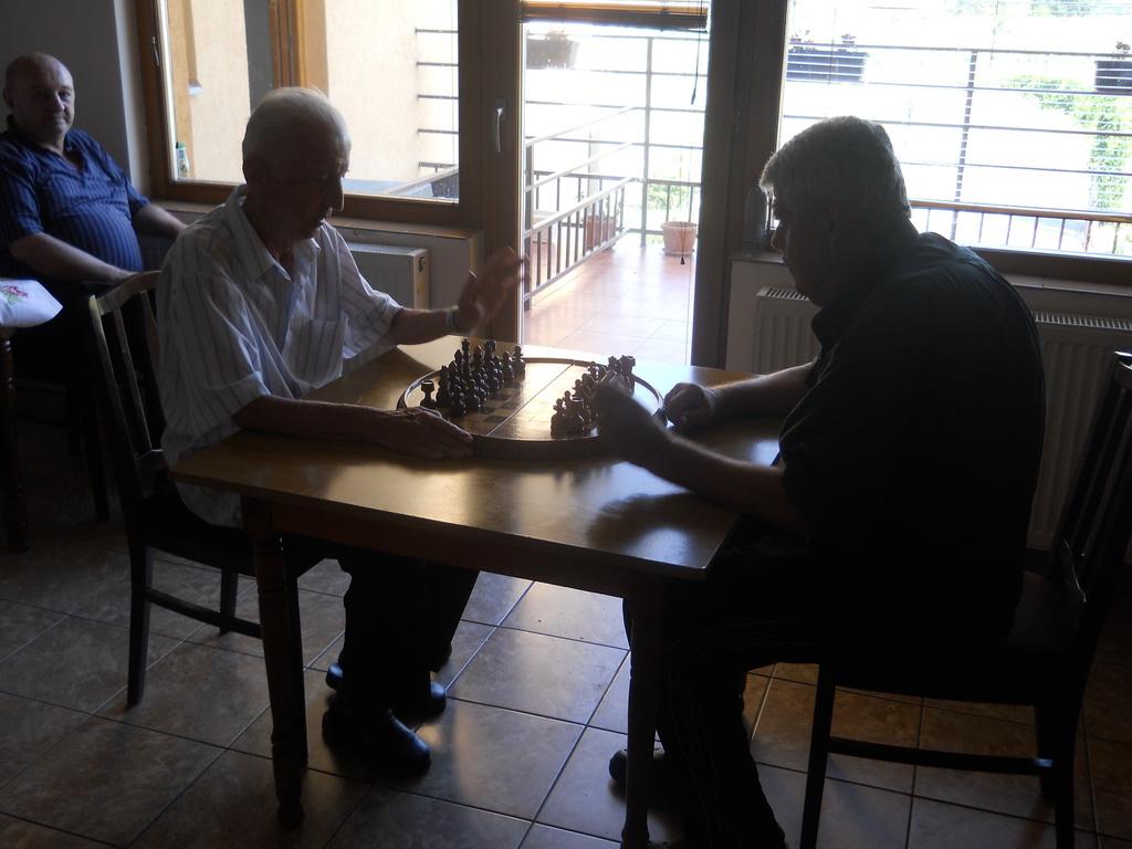 Šahovska sekcija Doma za stare Lug